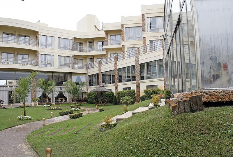 http://www.aquazul.com.ar/web/wp-content/uploads/2014/05/hotel_4.jpg