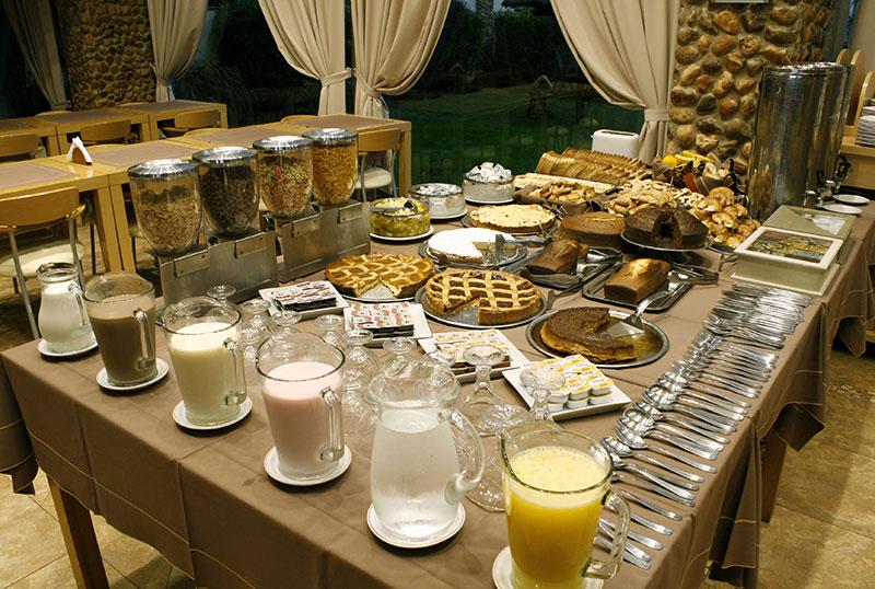 http://www.aquazul.com.ar/web/wp-content/uploads/2014/05/restaurante_2.jpg