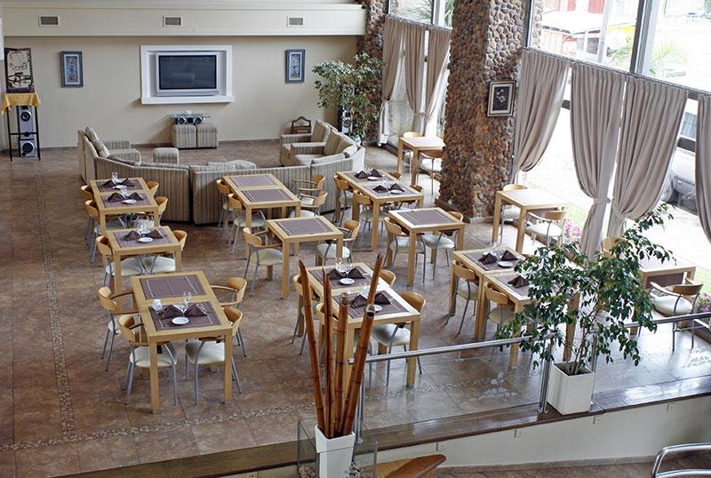 http://www.aquazul.com.ar/web/wp-content/uploads/2014/05/restaurante_4.jpg