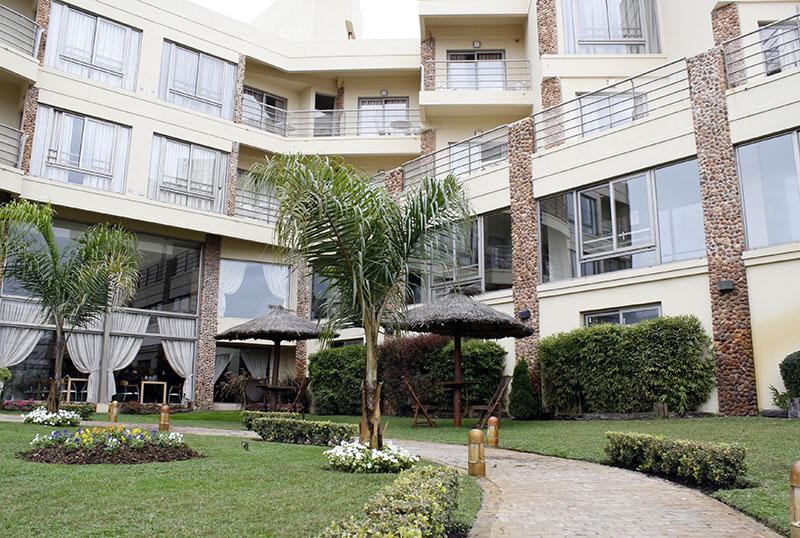 http://www.aquazul.com.ar/web/wp-content/uploads/2014/06/hotel_3.jpg